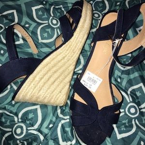American Eagle Wedge Navy Blue Sandals NWT